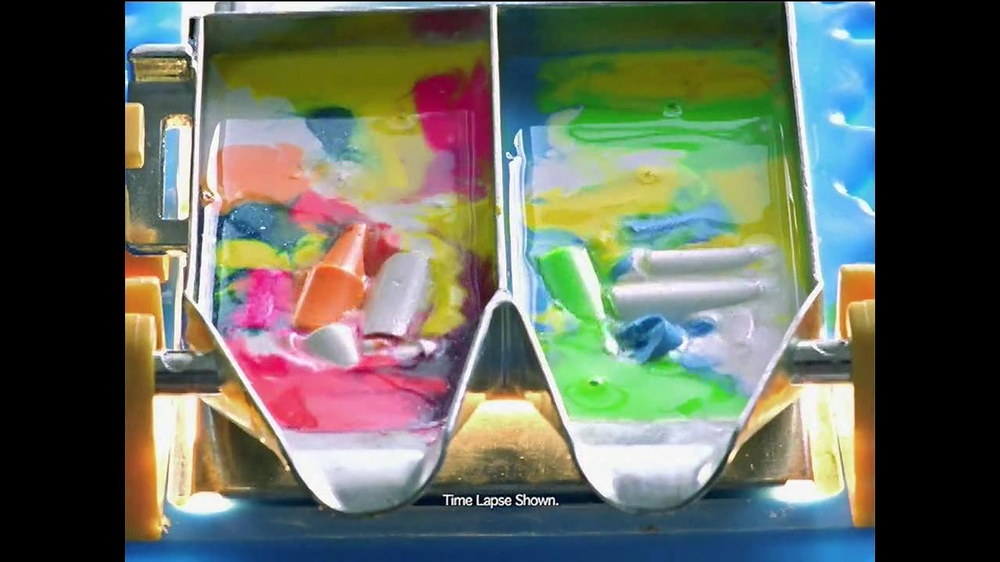 Crayola Crayon Maker TV Commercial, 'Mix, Melt and Pour'
