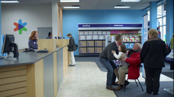 FedEx Office TV Spot, 'A Santa to Boot' - Thumbnail 8