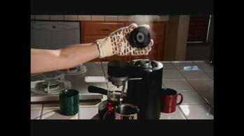 Anti-Steam 'Ove' Glove TV Spot - Thumbnail 6