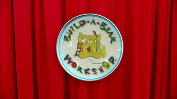 Build-A-Bear Workshop TV Spot, 'Bear Bucks Gift Cards' - Thumbnail 1