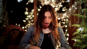 American Eagle Outfitters TV Spot, 'Gifts' - Thumbnail 9