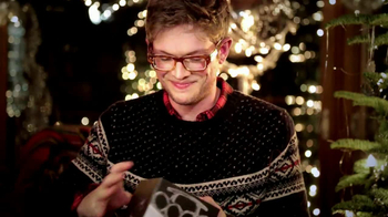 American Eagle Outfitters TV Spot, 'Gifts' - Thumbnail 8