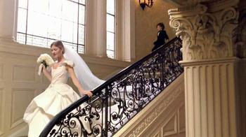 Estee Lauder Beautiful TV Spot, 'Red Case Traveler' Song by Damien Leith - Thumbnail 5