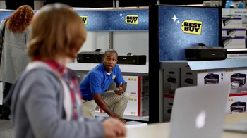 Best Buy All Things Apple TV Spot, 'Finding Santa' - Thumbnail 7