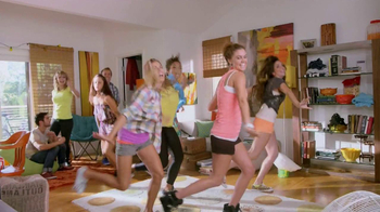GameStop TV Spot, 'Just Dance 4' - Thumbnail 5