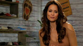 Bobs from Skechers TV Spot, 'Holiday Gifts' Featuring Brooke Burke Charvet - Thumbnail 5