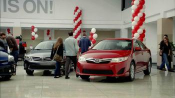 Toyota TV Spot  'Toyotathon: Camry' - Thumbnail 3