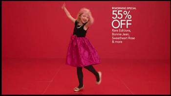 Macy's Perfect Gift Sale TV Spot, 'Be Santa' - Thumbnail 7