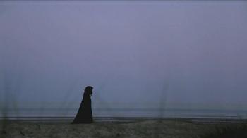 Penguin Group USA TV Spot, 'Breathless' - Thumbnail 7