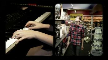 Guitar Center TV Spot, 'Yamaha Portable Keyboard' - Thumbnail 2