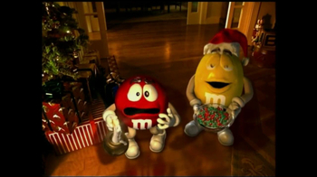 M&M's TV Spot, 'Fainting Santa' - Thumbnail 7