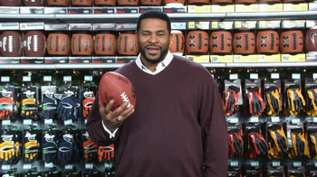 Dick's Sporting Goods TV Spot, 'Gifts to Get Better' Feauring Jerome Bettis - Thumbnail 9