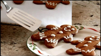 Reynolds Parchment Paper TV Spot, 'Gingerbread Cookies' - Thumbnail 7
