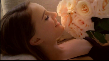 Miss Dior TV Spot Feat. Natalie Portman, Song by Serge Gainsbourg - Thumbnail 9