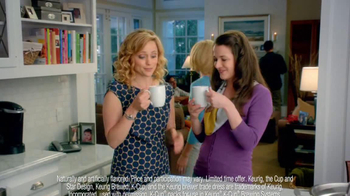 Peppermint Mocha & Hot Cocoa Dunkin' Donuts K-Cups TV Spot, 'Holiday Party' - Thumbnail 4