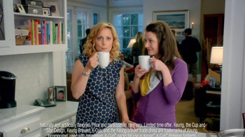 Peppermint Mocha & Hot Cocoa Dunkin' Donuts K-Cups TV Spot, 'Holiday Party' - Thumbnail 5