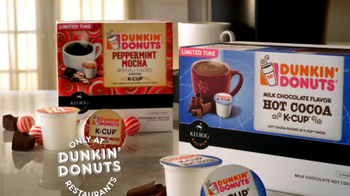 Peppermint Mocha & Hot Cocoa Dunkin' Donuts K-Cups TV Spot, 'Holiday Party' - Thumbnail 8