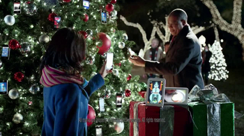 Verizon TV Spot, 'Power the Holidays' - Thumbnail 10