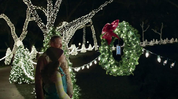 Verizon TV Spot, 'Power the Holidays' - Thumbnail 7
