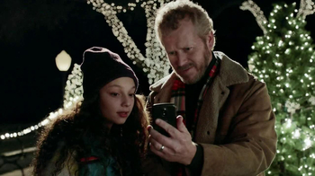Verizon TV Spot, 'Power the Holidays' - Thumbnail 8