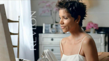 Revlon Colorstay Whipped Creme Makeup TV Spot Featuring Halle Berry - Thumbnail 9