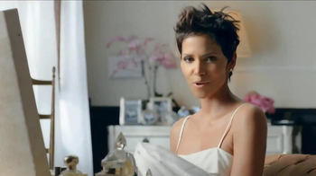 Revlon Colorstay Whipped Creme Makeup TV Spot Featuring Halle Berry - Thumbnail 2
