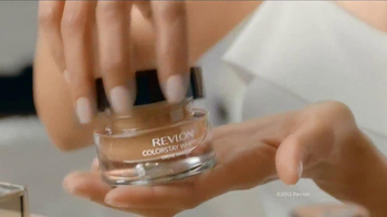Revlon Colorstay Whipped Creme Makeup TV Spot Featuring Halle Berry - Thumbnail 4