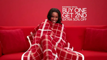 Macy's Extra Special Sale TV Spot, 'December' - Thumbnail 6