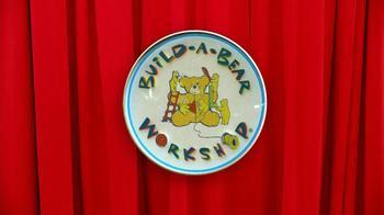Build-A-Bear Workshop TV Spot, 'Bear Bucks Gift Card' - Thumbnail 1