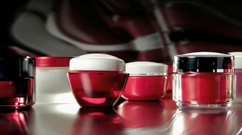Olay Regenerist TV Spot, 'Red Jars' Featuring Emily Caillon - Thumbnail 1