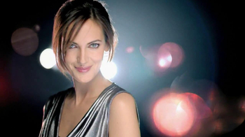 Olay Regenerist TV Spot, 'Red Jars' Featuring Emily Caillon - Thumbnail 3