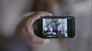 Samsung Galaxy Note II TV Spot, 'Family Photo' - Thumbnail 9