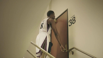 NBA Tickets TV Spot, 'Special Delivery' Featuring Rudy Gay - Thumbnail 6