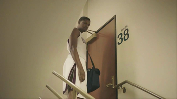 NBA Tickets TV Spot, 'Special Delivery' Featuring Rudy Gay - Thumbnail 7