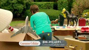 Consumer Cellular TV Spot, 'Yard Sale: Plans $10+ a Month' - Thumbnail 2