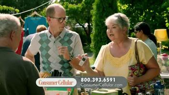 Consumer Cellular TV Spot, 'Yard Sale: Plans $10+ a Month' - Thumbnail 5