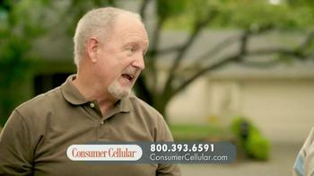 Consumer Cellular TV Spot, 'Yard Sale: Plans $10+ a Month' - Thumbnail 9