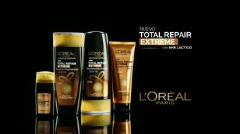 L'Oreal Paris Total Repair Extreme TV Spot, 'Cabello más extraordinario' con Jennifer Lopez [Spanish] - Thumbnail 5