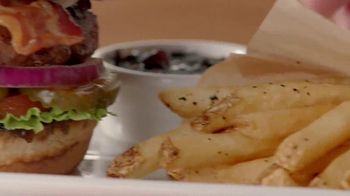 TGI Friday's Burger & Fries TV Spot, 'Give 'em What They Want' - Thumbnail 8