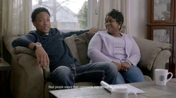 Swiffer Sweep & Trap TV Spot, 'The Glenns' - 4774 commercial airings