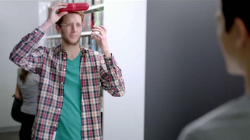Radio Shack TV Spot, 'Casco Traductor' [Spanish] - Thumbnail 10