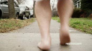 Realtor.com Mobile App TV Spot, 'Sauna' - Thumbnail 6