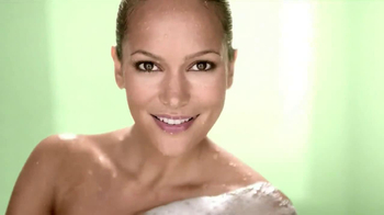 Dial Vitamin Boost TV Spot, 'Lotion Infused' - Thumbnail 5