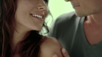 Dial Vitamin Boost TV Spot, 'Lotion Infused' - Thumbnail 9