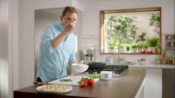 Fage Total Yogurt TV Spot, 'Greek Yogurt Bandwagon' Featuring Bobby Flay - Thumbnail 5