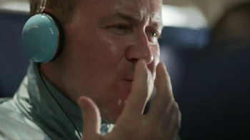Tide+Febreze TV Spot, 'Scarf' - Thumbnail 6