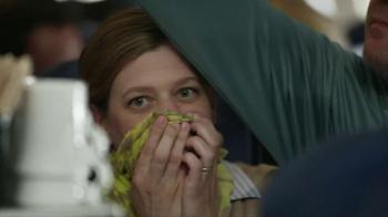 Tide+Febreze TV Spot, 'Scarf' - Thumbnail 9