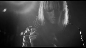 Burberry Brit Rhythm For Men and Women TV Spot - Thumbnail 5