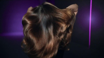 Clear Scalp & Hair TV Spot, 'Strength' Featuring Miranda Kerr - Thumbnail 10