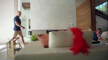2014 Cadillac ELR TV Spot, 'Poolside' - Thumbnail 4